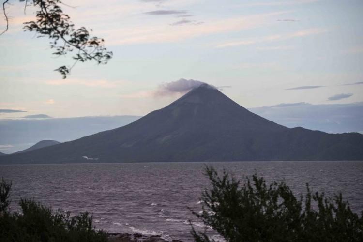 Volcán Momotombo reanuda actividad eruptiva